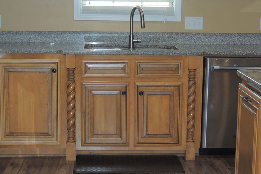 Decorative kitchen legs around sink