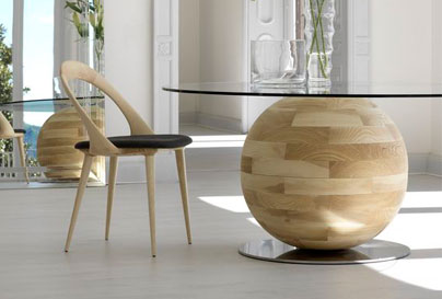 DIY wooden round table